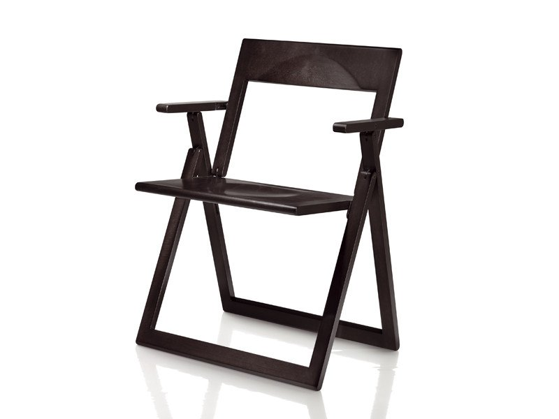 Folding solid wood chair with armrests AVIVA | Chair with armrests by Magis