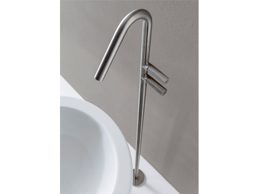 Floor standing 1 hole stainless steel bathtub tap 22MM | Bathtub tap by Rubinetterie 3M