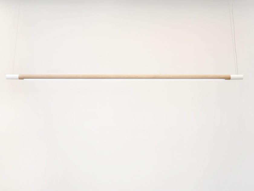 Lampada a sospensione a LED a luce diretta in legno massello BENNINGTON WIDE - hollis+morris