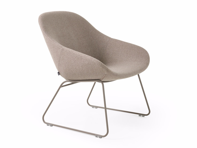Sledge chair BESO LOUNGE - Artifort