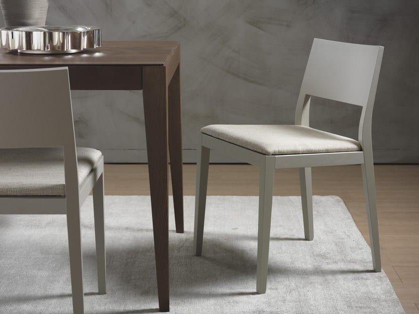 Sedia imbottita in legno massello BETTY | Sedia - Pacini & Cappellini