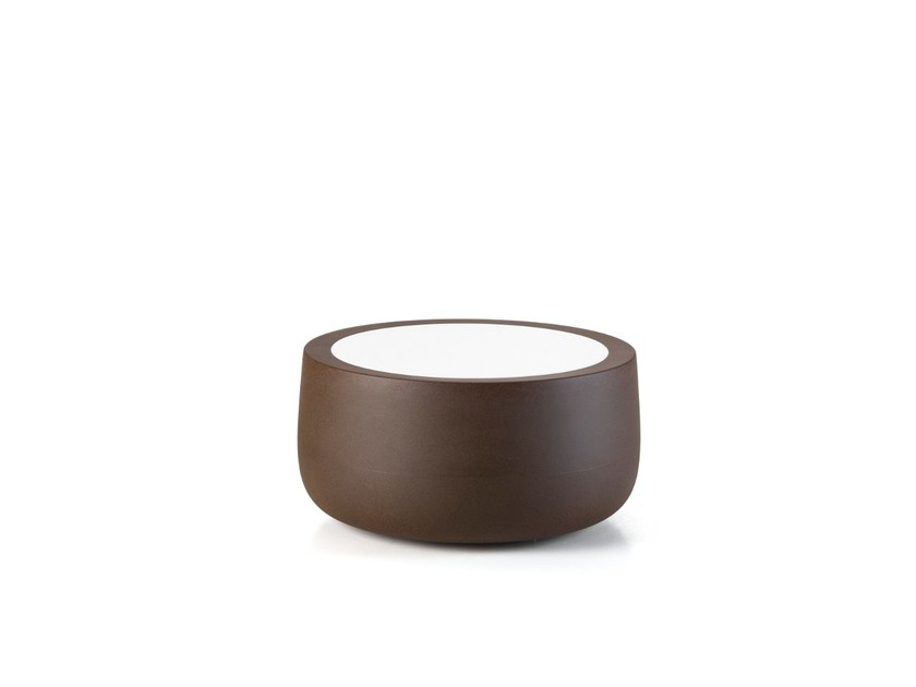 Round garden side table BOLD | Coffee table - PLUST Collection by euro3plast