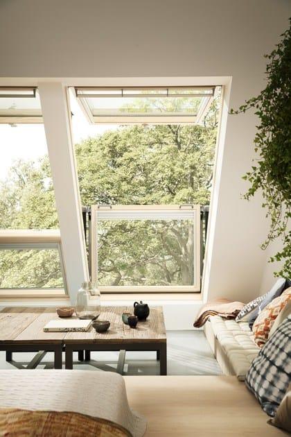 Balcone finestra con apertura a vasistas cabrio by velux for Finestre velux elettriche prezzi