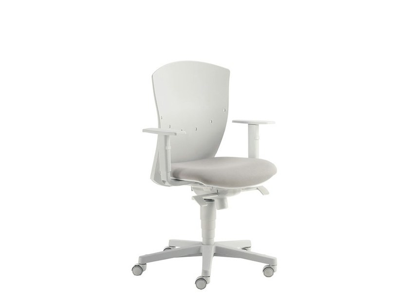 Swivel task chair with armrests CALIBRA LIGHT | Swivel task chair - Sesta