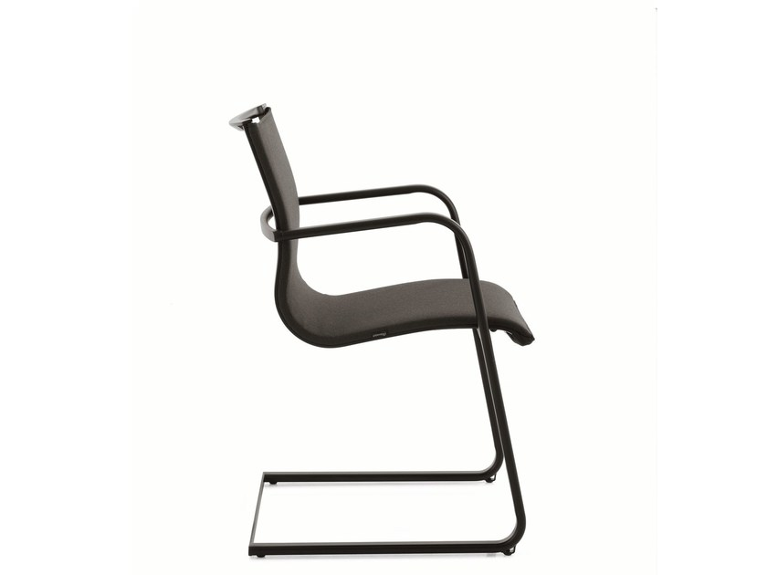 Cantilever training chair with armrests EM202 LIGHT | Cantilever training chair by Emmegi