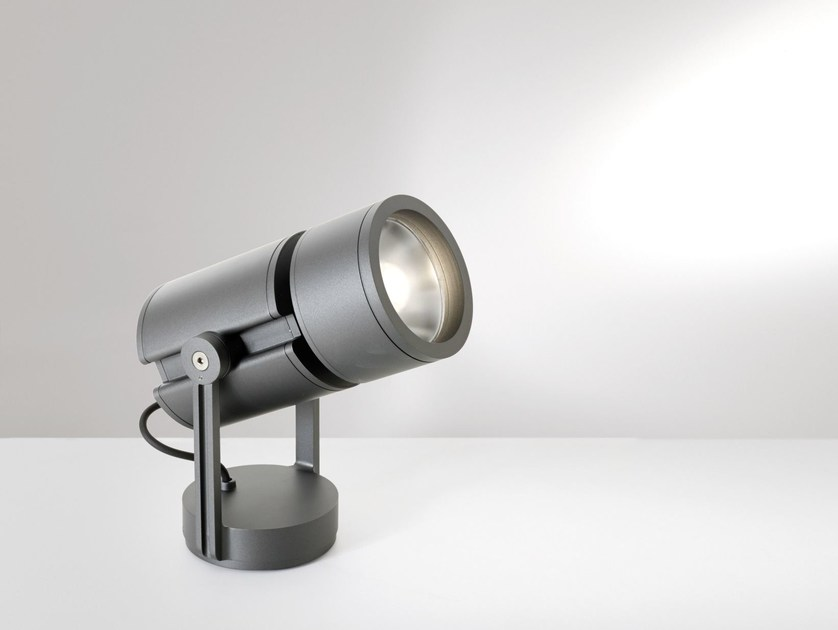 LED adjustable light projector CARIDDI | Light projector - Artemide