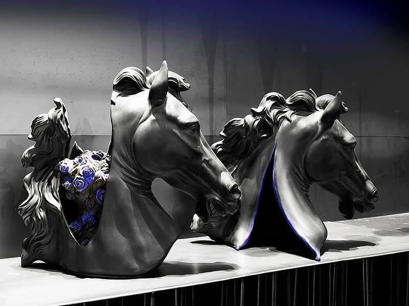 Ceramic decorative object CAVALLI NERI - ERBA ITALIA