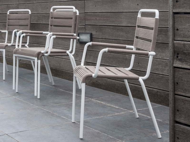 Iron garden chair with armrests CAMARGUE | Chair with armrests by Unopiù