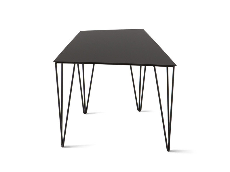 Low lacquered coffee table CHELE TRAPEZOIDAL - Atipico