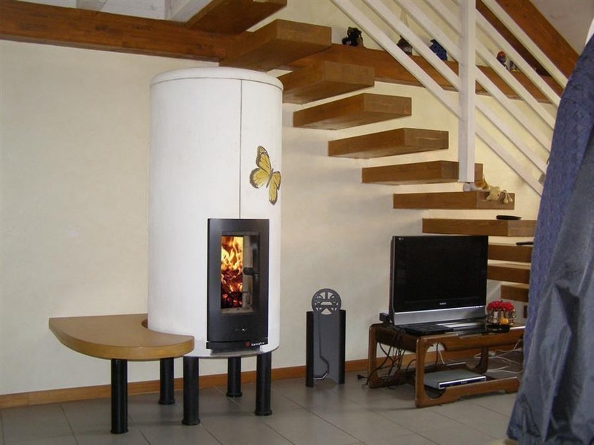 Wood-burning stove with Thermal Accumulation with bench CIR2 | Stove with bench - KarniaFire
