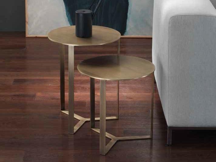 Round metal side table CLIP | Metal coffee table - Giulio Marelli Italia