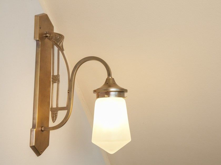Brass wall lamp COLOGNE I | Wall lamp by Patinas Lighting