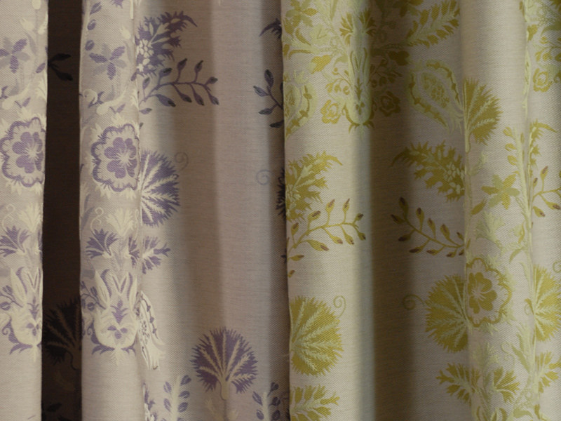Jacquard fabric with graphic pattern COTTAGE FLORAL - l'Opificio