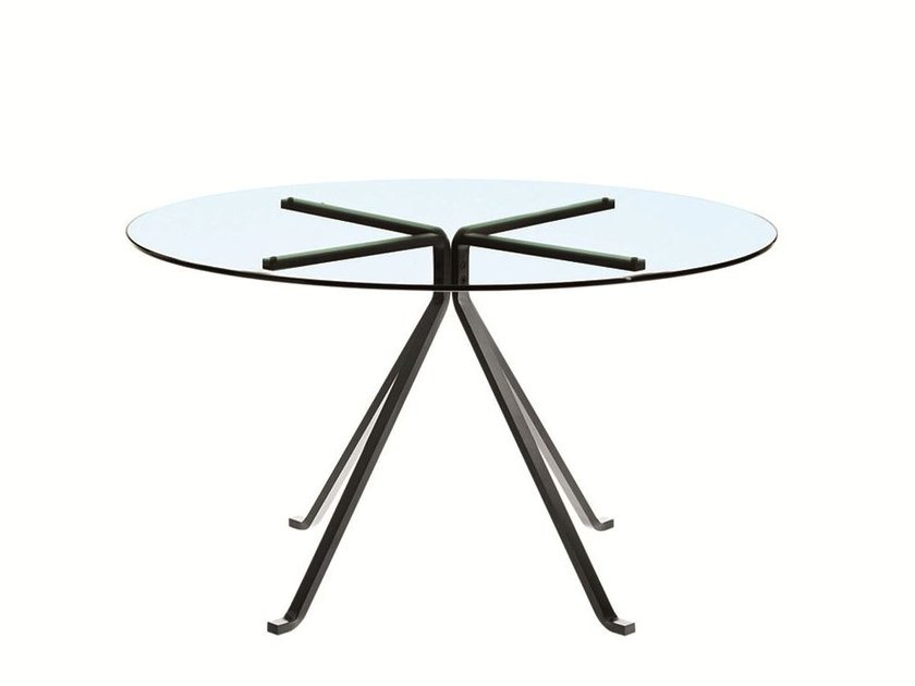 Round table CUGINO by Driade