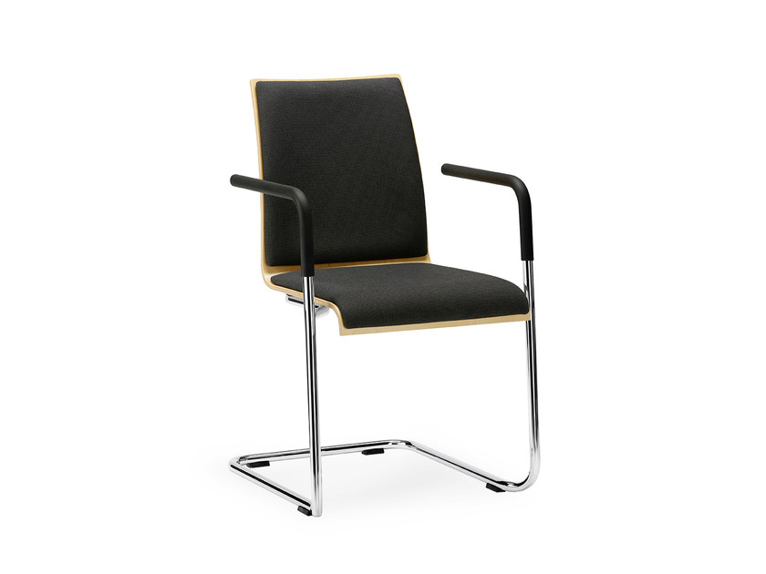 Cantilever fabric chair with armrests CURVE IS1 C22S by Interstuhl