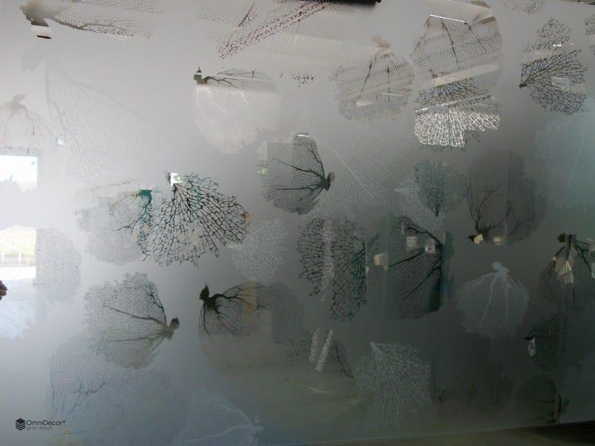 Decorated glass partition wall DECORFLOU® DESIGN CORALLINE - OmniDecor®