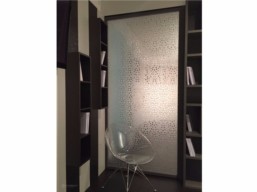 Decorated glass room divider DECORFLOU® DESIGN LAUREL - OmniDecor®