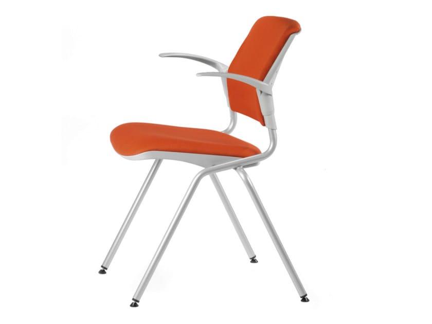 Sedia da conferenza impilabile pieghevole in tessuto con braccioli DELFI BRIO 064 - TALIN