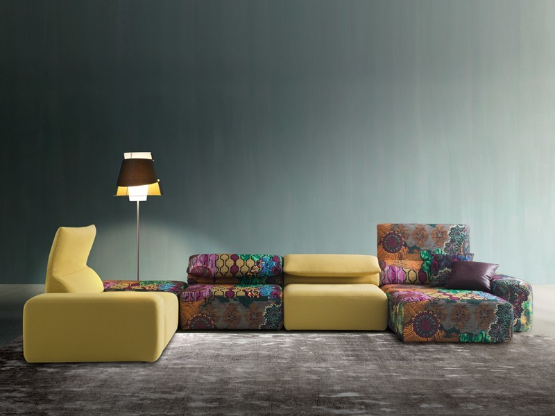 Corner sectional fabric sofa with chaise longue GOGÒ | Corner sofa by Divanidea