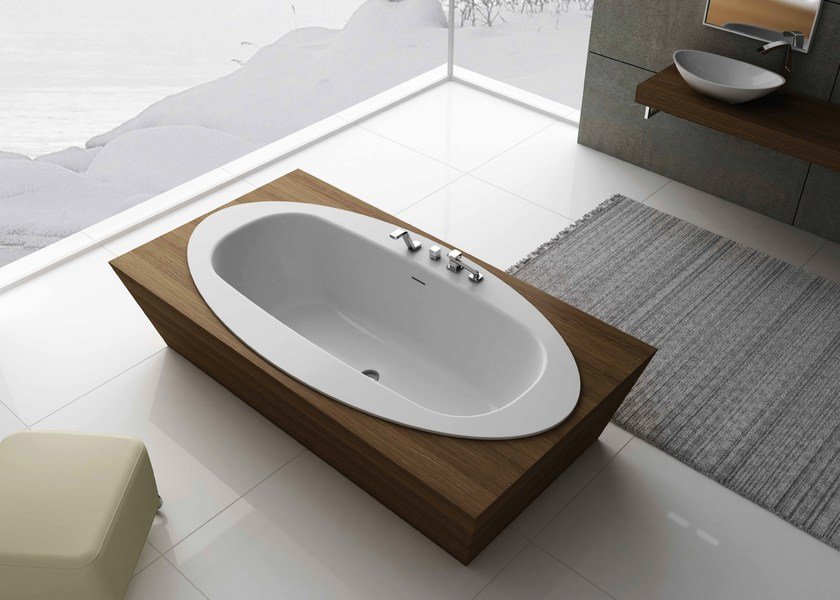 Freestanding rectangular bathtub DIAMOND - Flora Style