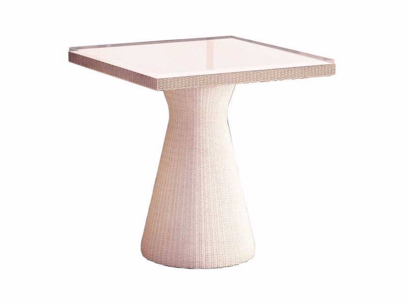 Diomede tavolo quadrato by smania industria italiana mobili for Industria italiana arredi