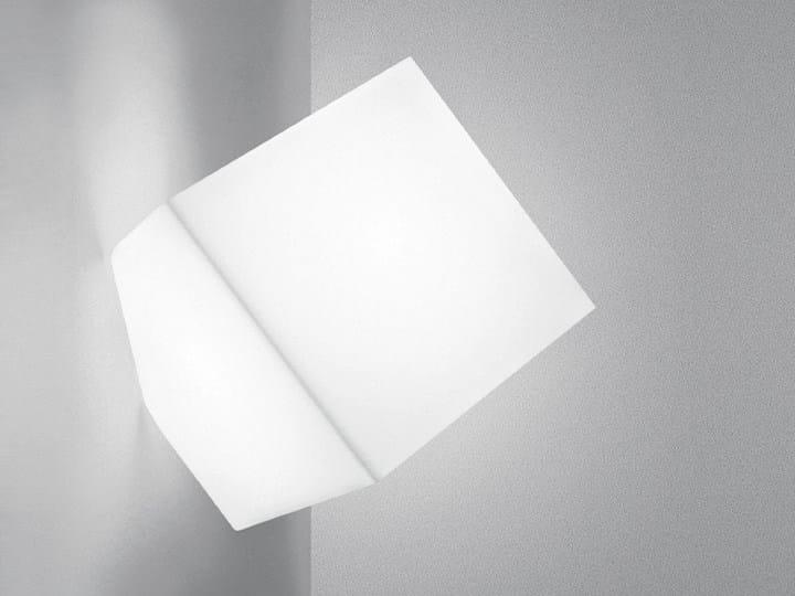 Lampada da parete in resina termoplastica EDGE | Lampada da parete - Artemide Italia