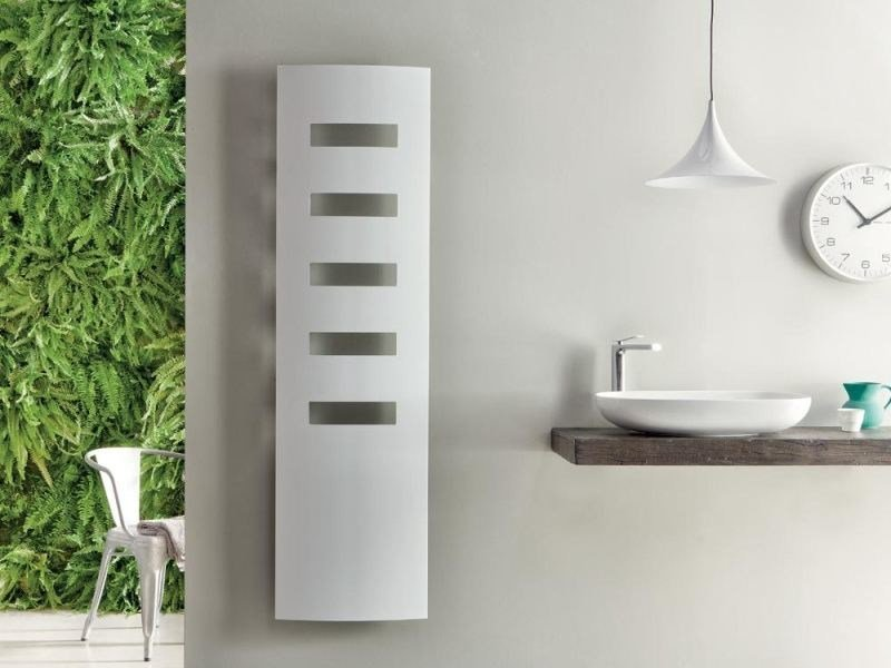 Wall-mounted extruded aluminium radiator EXTRÓ E - RIDEA