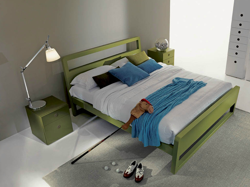 Lacquered storage bed FEEL | Lacquered bed by Fimar