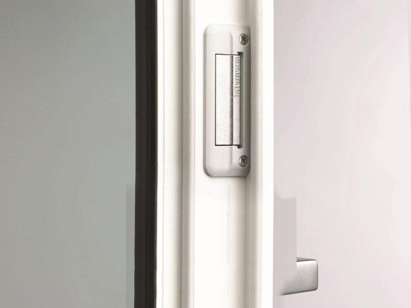 Window fittings INVISIBLE LOCKING SYSTEM - INTERNORM Italia