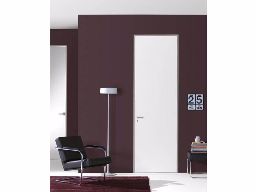 Hinged door with concealed hinges FILO ZERO - LACQUERED - PORTEK by LEGNOFORM