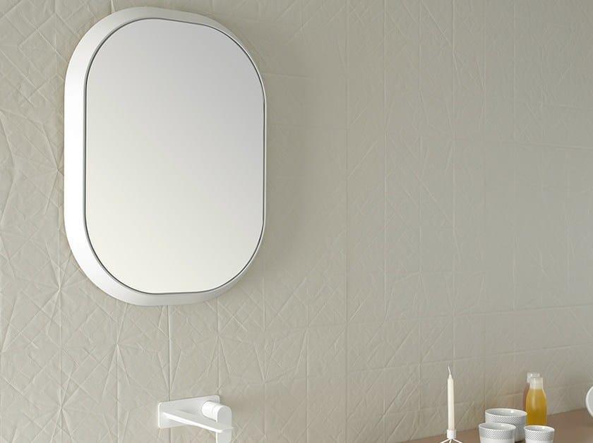 Specchio con cornice per bagno fluent specchio ovale inbani - Specchio bagno rotondo ...