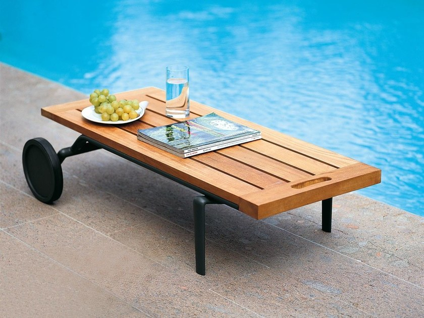 Low teak garden side table with casters ATLANTIS | Garden side table by Unopiù
