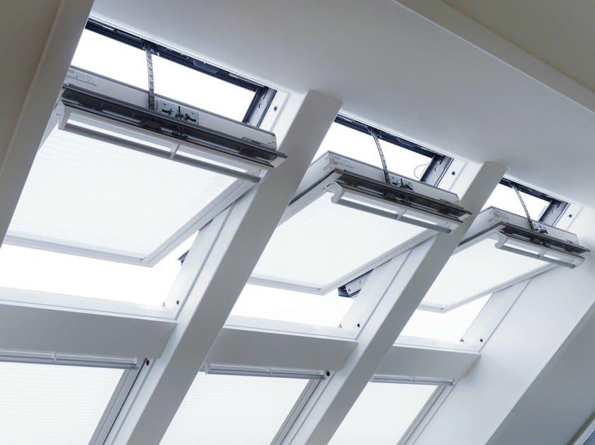 finestra in legno con rivestimento in poliuretano ggu integra solare velux. Black Bedroom Furniture Sets. Home Design Ideas