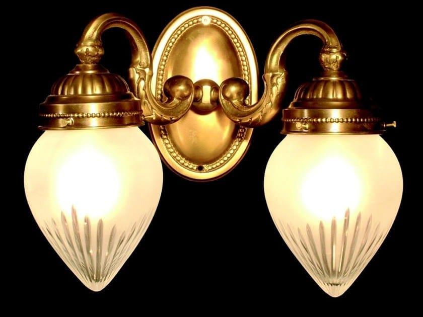 Lampada da parete a luce diretta fatta a mano in ottone GYOR II   Lampada da parete - Patinas Lighting