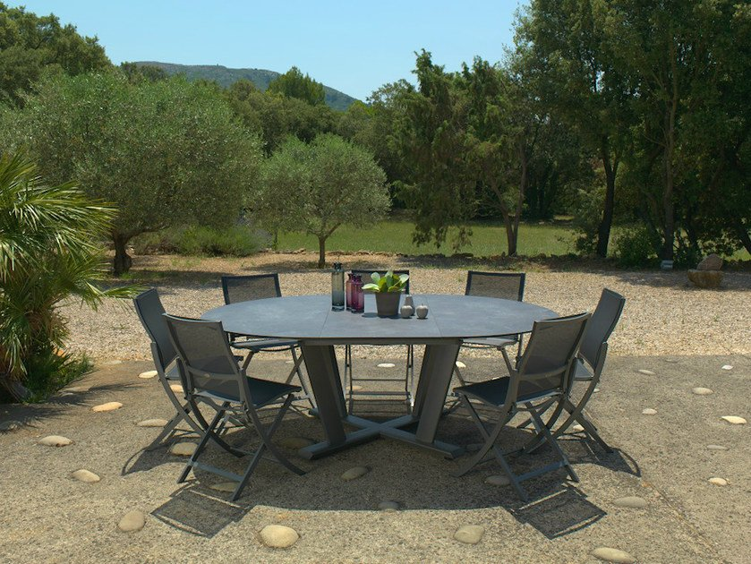 Extending HPL garden table HEGOA | Round table - Les jardins