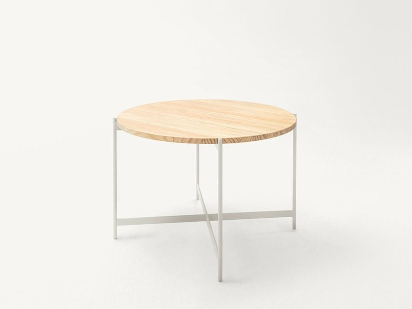 Round garden table HERON | Garden table by Paola Lenti