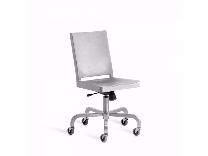 Aluminium chair with 5-spoke base with casters HUDSON | Chair with casters - Emeco