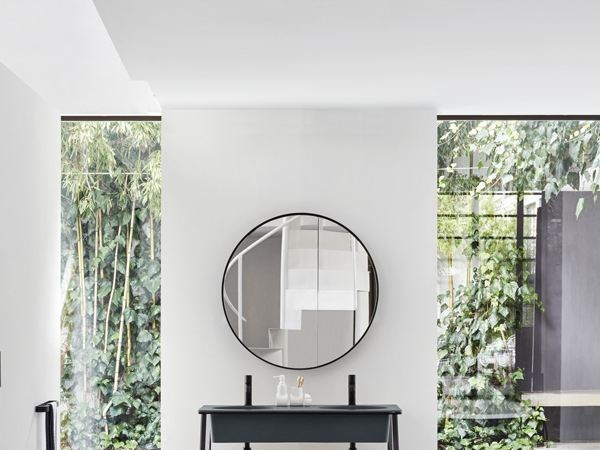 Specchio rotondo a parete per bagno i catini specchio - Specchio ovale per bagno ...