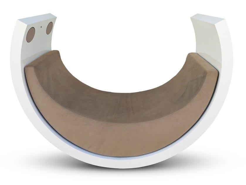 Poltrona a dondolo imbottita con diffusori acustici iBERÇO - Se7e Life Design