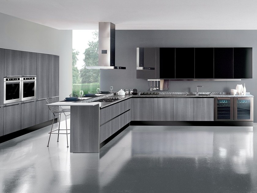 Wooden fitted kitchen with peninsula INSULA by Oikos Cucine