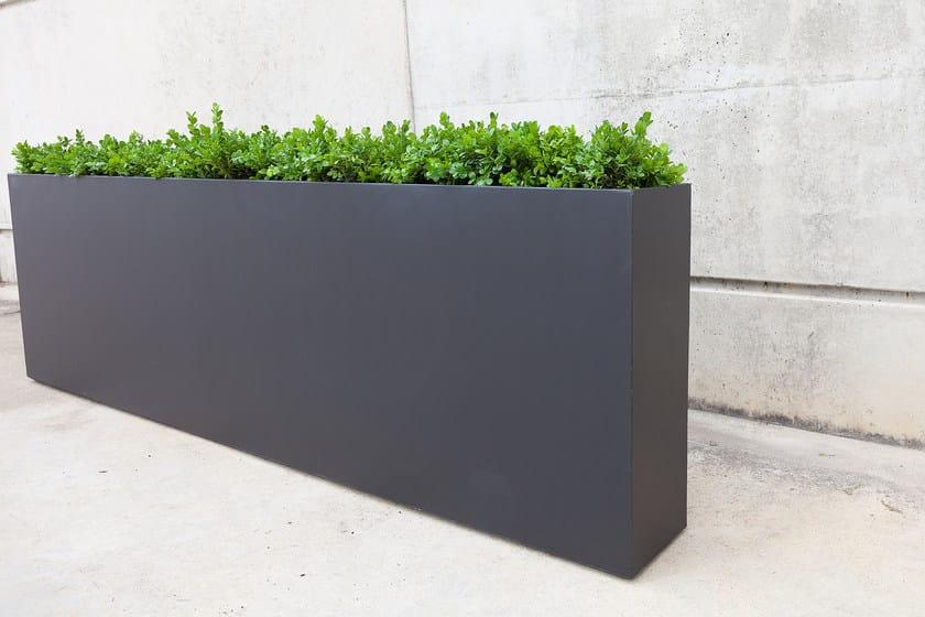 fioriera per spazi pubblici alta in calcestruzzo. Black Bedroom Furniture Sets. Home Design Ideas