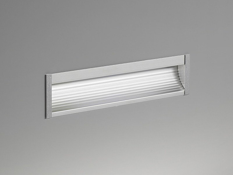 LED wall-mounted aluminium foot- and walkover light Itinere - PURALUCE