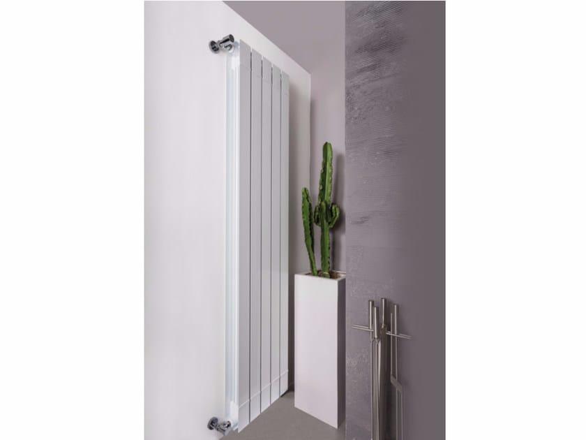Termoarredo ad acqua calda verticale in alluminio estruso a parete KALIS - Radiatori2000