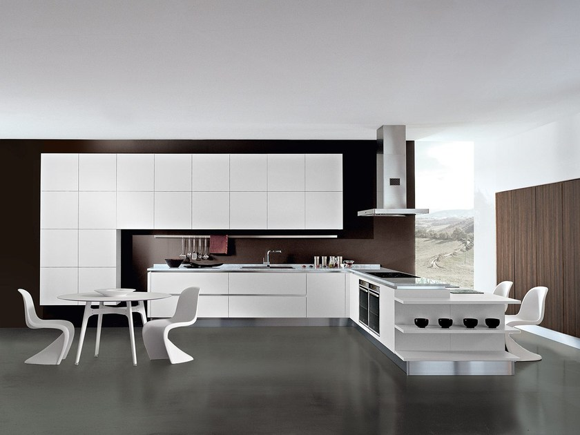 Lacquered fitted kitchen with peninsula TOUCH | Kitchen with peninsula - Oikos Cucine