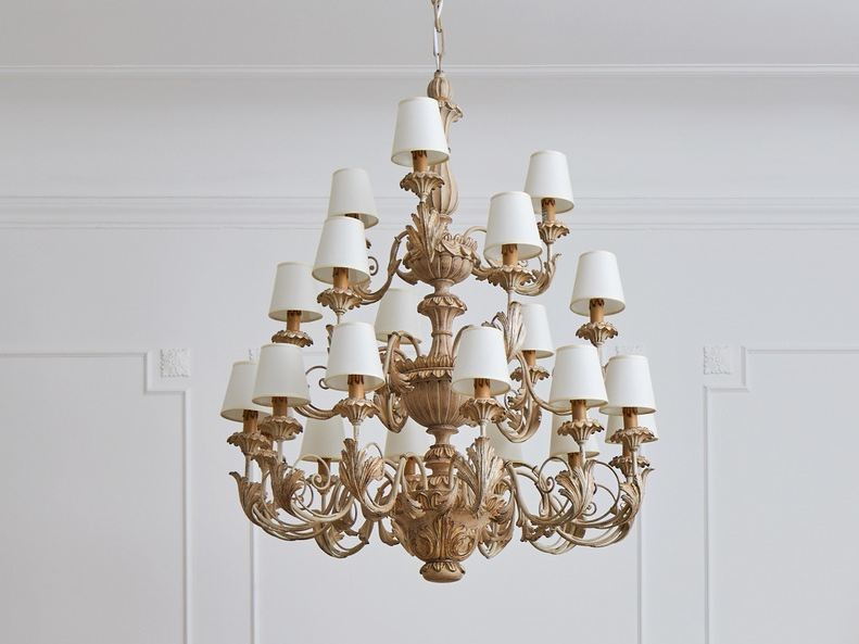 Classic style chandelier Chandelier by Grifoni Silvano