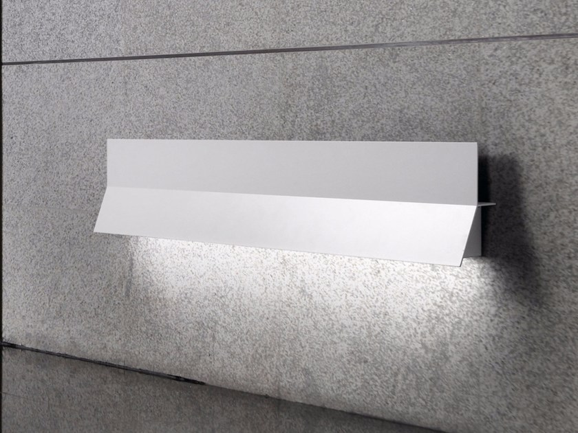 Indirect light aluminium wall light LEA 03 by BOVER