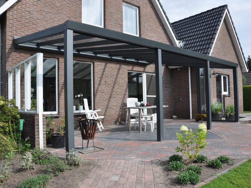 Wall-mounted glass pergola LEGEND EDITION by Gardendreams