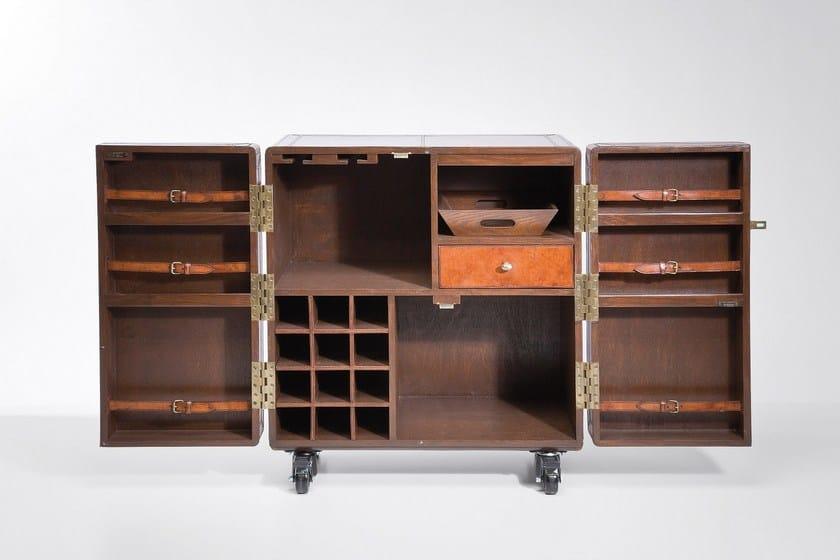 Mobile bar in legno su ruote lodge mobile bar kare design for Mobili kare design