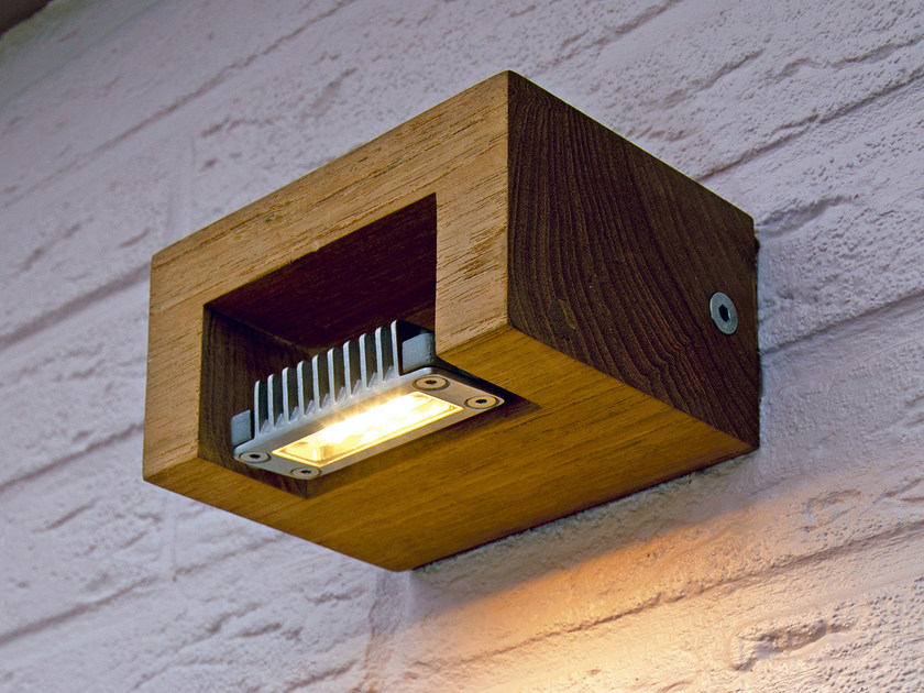 Direct light teak wall lamp LOG WALL - ROYAL BOTANIA