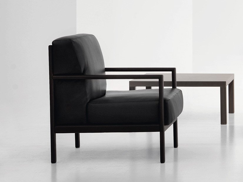 Leather armchair with armrests LONDON | Armchair by Polflex